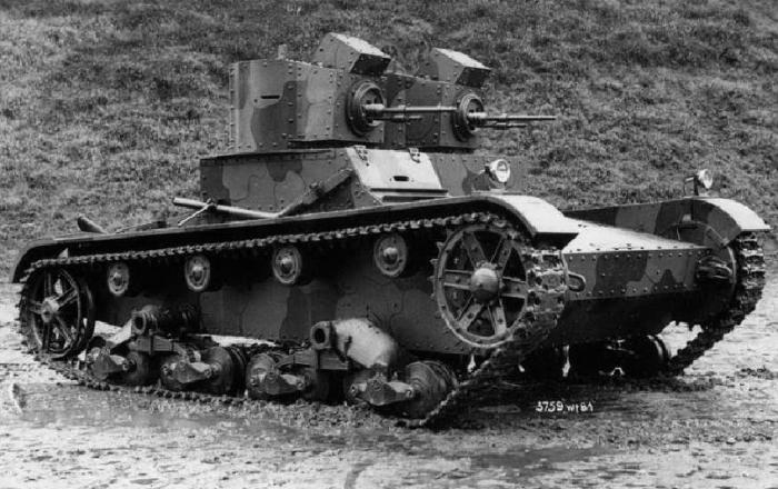 Британский танк Виккерс-шеститонный