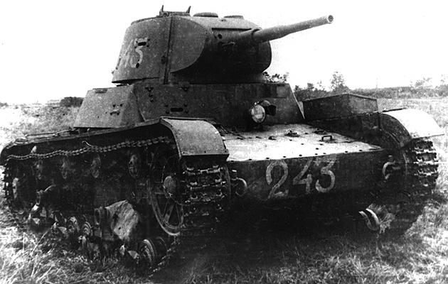 Советский танк Т-26, сделанный на основе Виккерса-шестинного