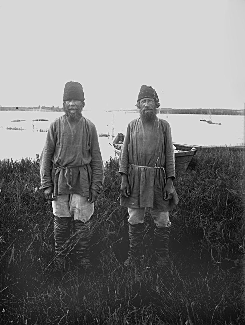 45Ширковские рыболовы на озере Вселуг. 1903 г. Тверская губерния.