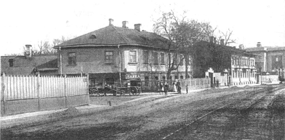 http://statehistory.ru/books/YUkhnyeva-E-D-_Peterburgskie-dokhodnye-doma--Ocherki-iz-istorii-byta--/1362910647_bc1d.jpg