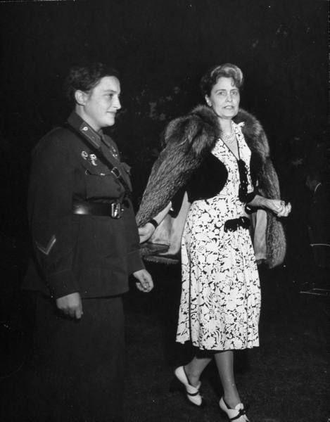 Снайпер Людмила Павличенко и миссис Дэвис (жена американского посла в СССР)
