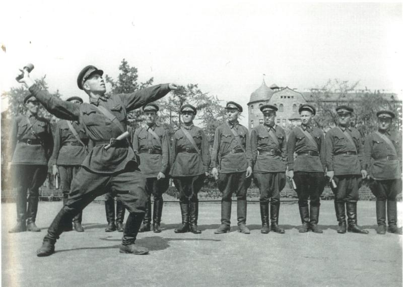 На ривненском полигоне новобранцы учатся противодействовать танкам условного противника - Цензор.НЕТ 9884