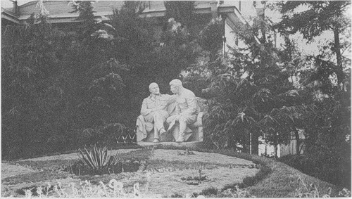 John Steinbeck y Robert Capa, dos curiosos en la URSS Pic8