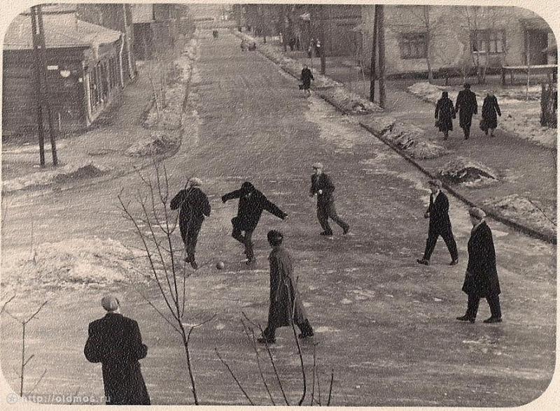 Футбол на Старомарьинском шоссе.