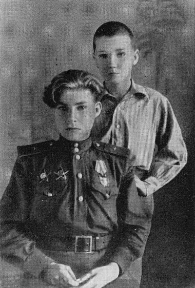 Аркадий Каманин со своим младшим братом Львом