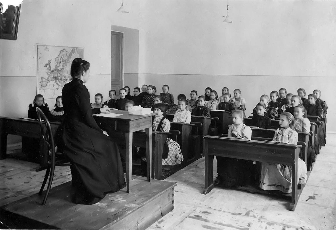 первые школ в россии картинки основные